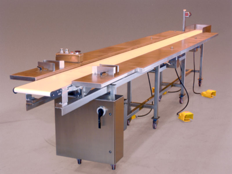 Universal_Machine_Custom_Conveyor_System